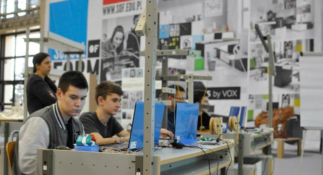 Biurka Vox ożyły na arena DESIGN 2014